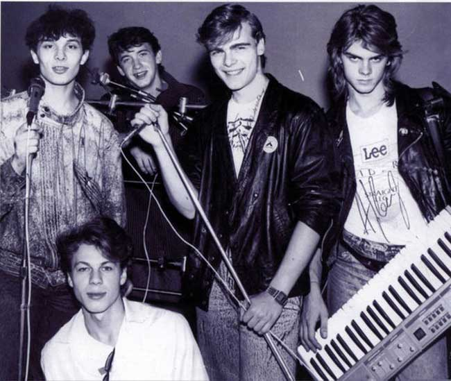Laskovyi mai (may be spelled also as laskovyy may, laskovy may, laskovy mai, laskoviy may; russian: ласковый май) was a soviet boy band from moscow founded by russian songwriter, composer and musician sergei kuznetsov. The group's best-known member was yuri shatunov, who has subsequently went on to.